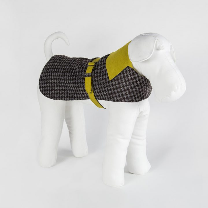 tailored double-sided dog coat in paired technical fabric