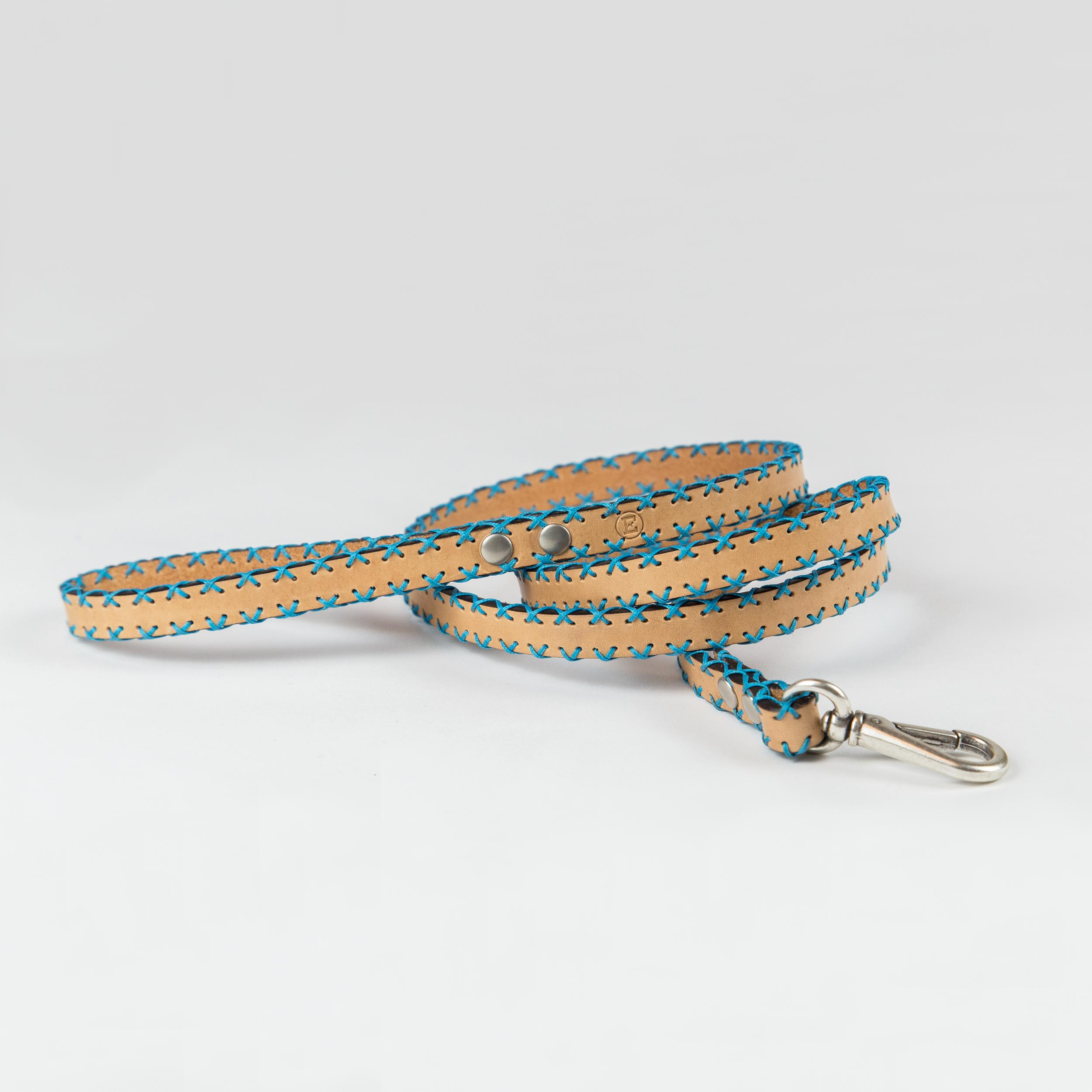 natural color cowhide leather leash with sky-blue weaves