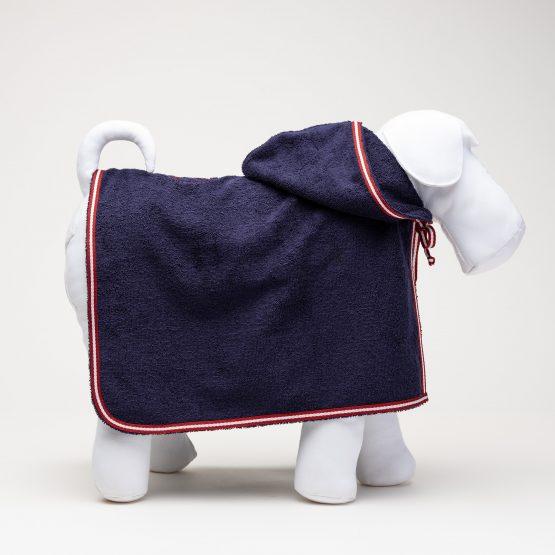 accappatoio per cani, blu presidenziale, indossato da manichino