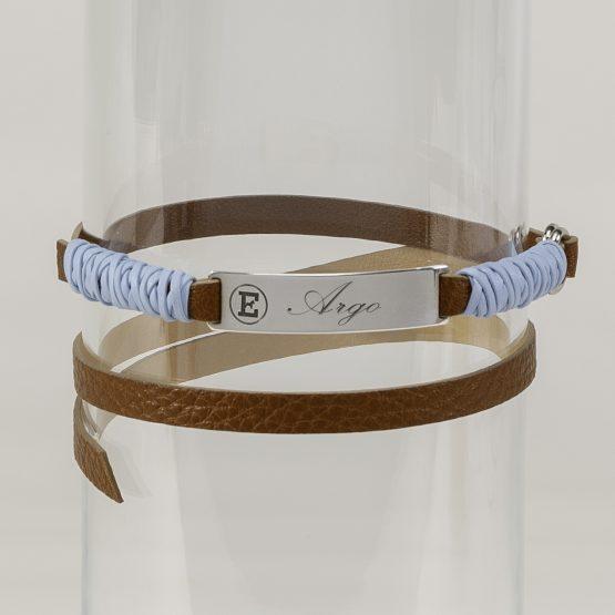 Sugar Paper Bar-Tag, tag in pelle con placca in argento per cani ed anche per uomini, rifinito da nastro azzurro