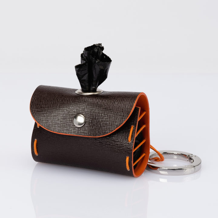 dog bag dispenser in two-tone leather