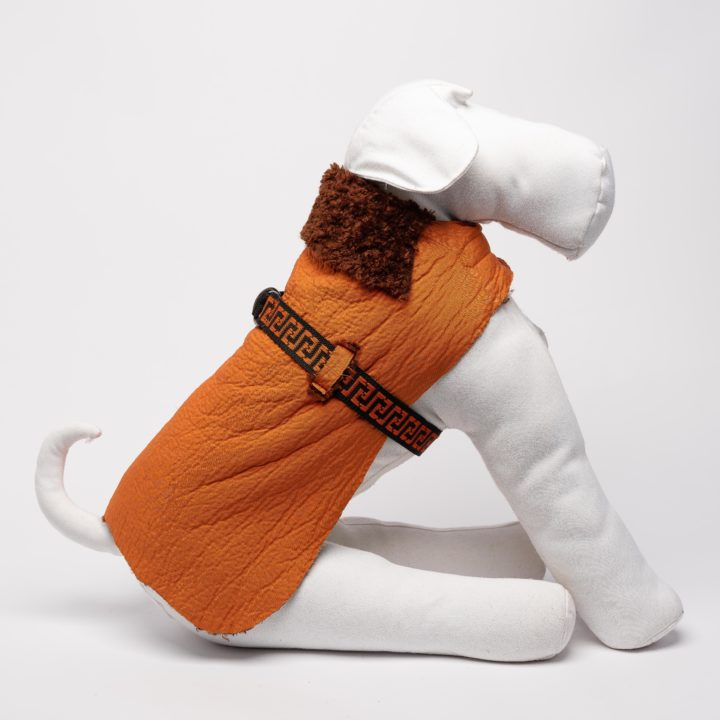 tailor-made reversible coat for dogs in brown faux fur